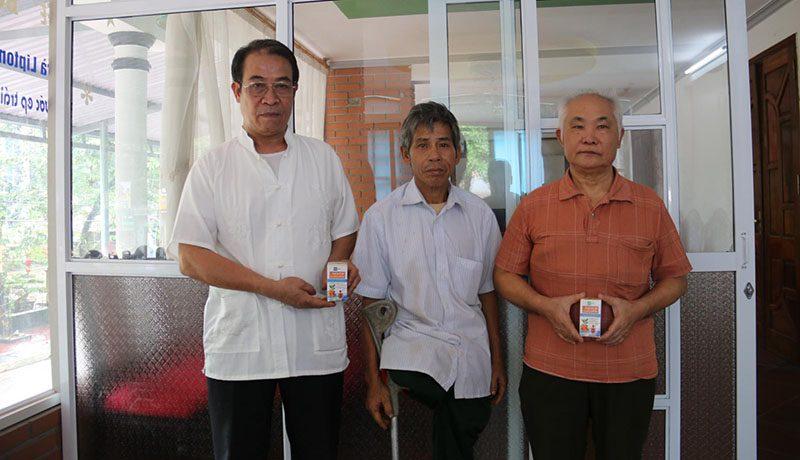 Nano Curcumin OIC trao quà cho các thương binh tại Hà Giang